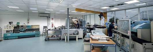 Il reparto di tornitura dell'azienda di Volpiano | SMZ Italia