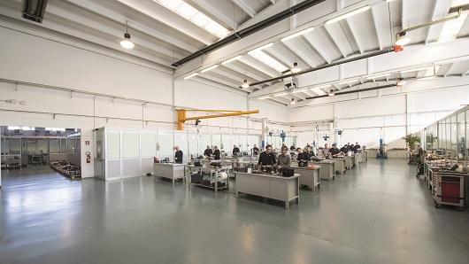 SMZ Italia è specializzata nella riparazione di mandrini ed elettromandrini. Oggi riparare un mandrino richiede un lasso temporale che va dalla singola settimana alle tre o quattro a seconda della complessità del lavoro.