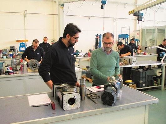 SMZ Italia si sta impegnando fortemente anche nella formazione di una nuova generazione di giovani operatori. La specializzazione del personale è un fattore determinante per la qualità.